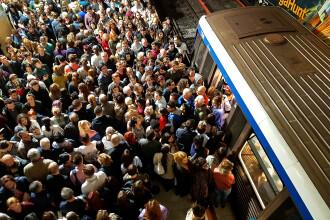 Șova: Creşterile salariale de la Metrorex vor fi transferate în costurile suportate de călători