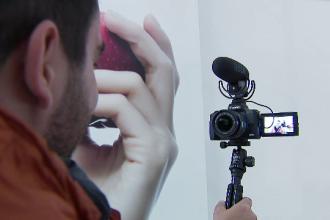 Câți bani încasează vloggerii care fac recomandări de servicii sau produse
