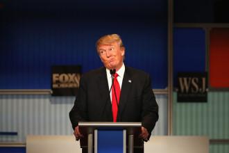 Trump, acuzat că a aruncat SUA în haos. Bursa a căzut, iar administraţia e blocată