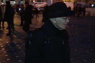 """Mihai Șora, la protestul din Timișoara: """"Câtă vreme vom izbuti să rămânem verticali, țara nu va fugi de sub picioare"""""""