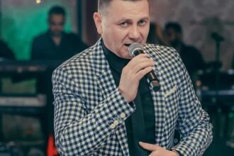 Un cântăreț din România a murit în timp ce mergea cu ATV-ul pe un drum privat