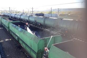 Incendiu la cinci vagoane încărcate cu cărbuni, în Constanța