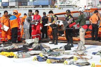 Un avion cu 189 de pasageri s-a prăbuşit în mare, în Indonezia. Au fost găsite resturi în apă. VIDEO