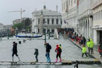Italia, sub cod roșu de furtună. Inundații în mai multe zone. FOTO