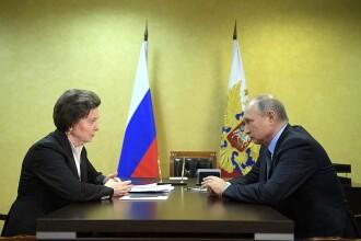 Reacția lui Putin când o guvernatoare din Rusia s-a așezat pe scaunul lui. VIDEO