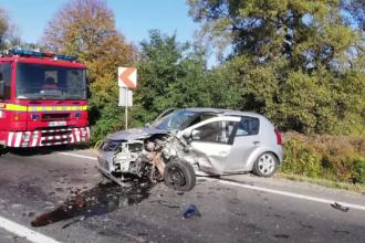 Accident grav în Mureș, cu un mort și doi răniți. Femeie dusă cu elicopterul la spital