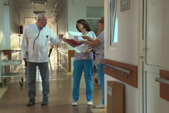 Soluţia împotriva şpăgii găsită într-un spital din Bistriţa. Sumele afişate la intrare