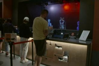 Hotelul unde personalul de la recepţie a fost înlocuit cu holograme