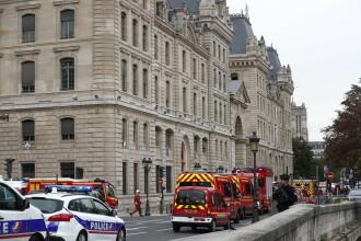Alertă la sediul Poliției din Paris. Un bărbat a atacat mai mulți polițiști