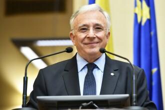 Salariul și pensia lui Mugur Isărescu au crescut. Ce a trecut în noua declarație de avere