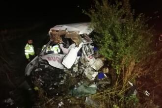 Accident extrem de grav în Ialomița. 10 oameni au murit și 7 au fost răniți după ce un TIR a intrat pe contrasens