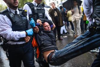 Proteste pentru climă organizate de Extinction Rebellion la Londra, Berlin şi Paris