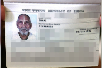 Adevărata poveste a indianului care are 123 de ani. Ce scrie pe pașaportul său