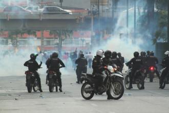 Haos în Ecuador. Capitala, sub stare de asediu şi control militar