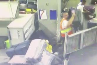 Imagini revoltătoare pe Otopeni. Cum sunt aruncate bagajele pasagerilor de angajații unei firme