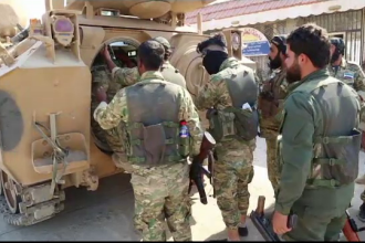 800 de jihadiști și rude ale lor au evadat în Siria. Pe cine acuză kurzii