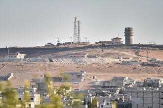 Forțele turce au blocat principalul drum către orașul kurd Kobani din Siria
