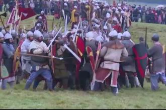 Bătălia de la Hastings, reconstituită de englezi şi francezi cu arme reale