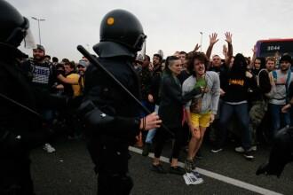 Aeroportul din Barcelona, blocat de protestatari după condamnarea separatiștilor catalani