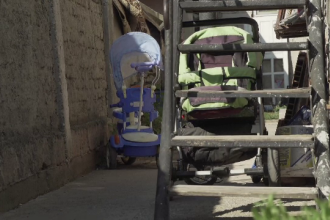 Bărbat din Ploiești, cercetat după ce ar fi agresat sexual cele 3 fetițe ale iubitei lui