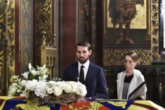 Funeraliile Reginei-mamă Elena. Sicriul cu osemintele, depus în Catedrala de la Curtea de Argeş