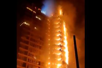 Zgârie-nori incendiat de protestari furioși în Chile. Capitala, devastată de ciocniri violente