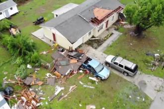 Tornade devastatoare în SUA. Peste zece mii de oameni rămași fără curent electric