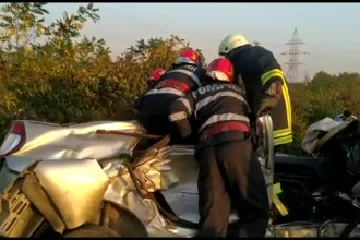 Un bărbat și o femeie au murit după ce mașina lor a fost lovită de tren, în Dâmbovița