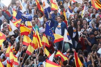 """""""Oamenii nu-şi mai pot duce copiii la şcoală"""". Mobilizare în Barcelona împotriva independenţei"""