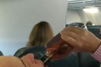Panică într-un avion defectat în aer. Pasagerii se roagă și beau alcool direct din sticlă