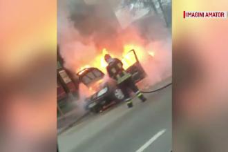Clipe de panică în Bacău, după ce un autoturism a luat foc în centrul orașului