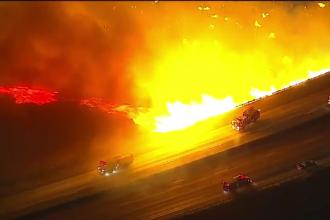 Incendii apocaliptice în California. Zeci de mii de oameni au fost evacuaţi