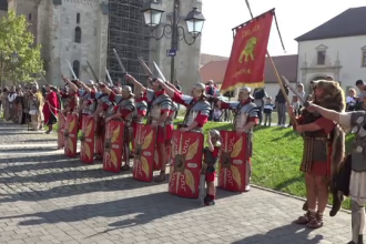 Reacţia unei turiste când vede luptele între daci şi romani, în Alba: