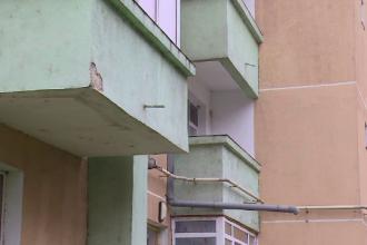 Blocuri ANL construite acum 15 ani în Galați, distruse din cauza tasării din zonă