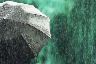 Vremea se schimbă radical. Zonele în care sunt anunțate ploi și ninsori