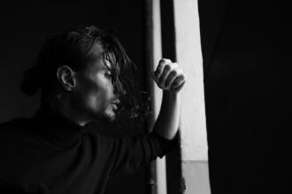 """""""Nuit Minimaliste"""", de Andrei Irimia. Un album deosebit de compoziții """"melancolice"""" pentru pian"""