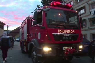 Panică într-un bloc din Târgoviște. Un proprietar și-a dat foc garsonierei pentru a treia oară