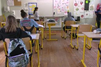 10 școli din București trec în scenariul roşu, din cauza Covid-19. Unde se învață online