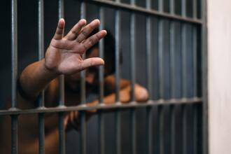 Un deţinut din Galați care s-a automutilat şi a înghiţit o baterie a fost depistat cu Covid-19