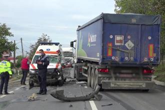 O femeie cu Covid-19 a fost implicată într-un accident în timp ce era dusă la spital