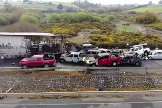 Accident grav pe o șosea din Chile. 20 de mașini s-au ciocnit, iar 2 persoane au murit, după un incendiu