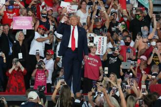 """Trump adună adună mii de oameni la mitinguri, în plină pandemie. """"Virusul vine şi pleacă"""""""