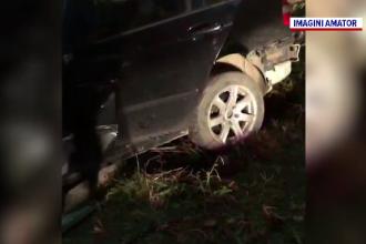 Un băiat de 14 ani din Dâmboviţa s-a îmbătat, s-a urcat la volan și a izbit mașina într-un stâlp