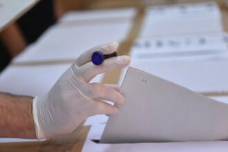 Alegeri parlamentare 2020. Alegătorii care stau încă la rând la ora 21:00 pot vota până la ora 23:59
