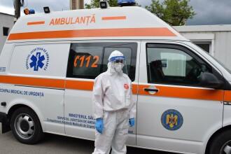 O asistentă de ambulanţă din Arad, infectată cu Covid-19, a murit. Alți nouă angajați sunt infectați