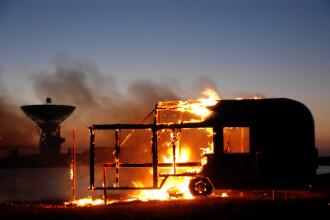 Un bărbat a crezut că și-a salvat ambii copii dintr-un incendiu, însă doar unul a supraviețuit. Greșeala tatălui