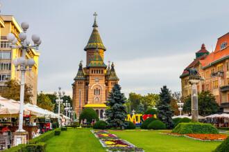 Timișoara intră în carantină pentru 14 zile. Oamenii vor ieși doar cu declarație, mallurile se închid în weekend