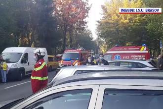 Doi muncitori au fost răniți pe un bloc din Brașov după explozia unei butelii