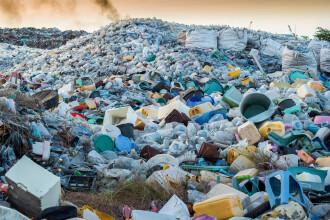 Groapă ilegală de gunoi administrată de un român, descoperită la Roma. Românul a fost arestat