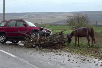 Accident grav în Vaslui. O șoferiță de 72 de ani a spulberat o căruță cu două persoane